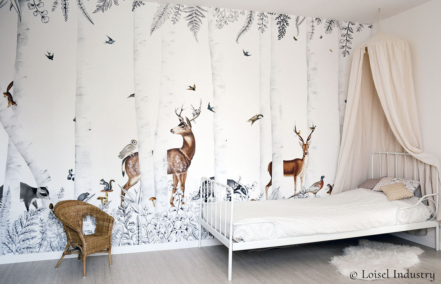 Wallpaper for kids - Forest animals - Bespoke wall mural Woody Chesnut by Les Dominotiers © Loisel Industry