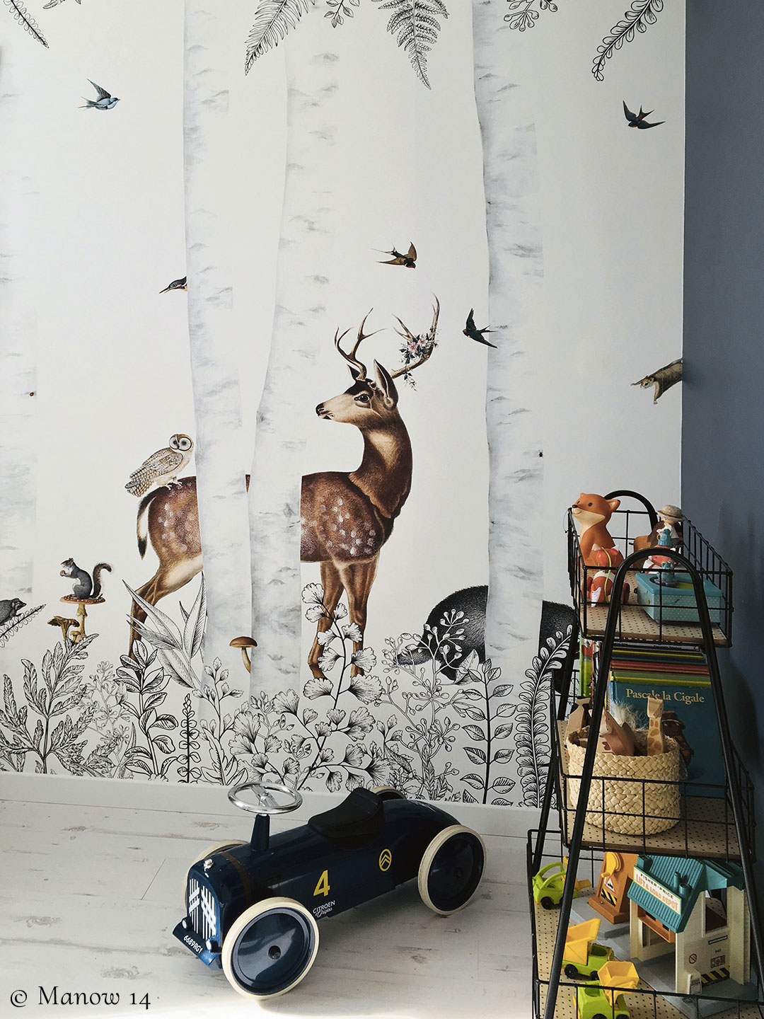 Wallpaper for kid's room - Forest animals - Bespoke wall mural Woody Chesnut by Les Dominotiers © Manow 14