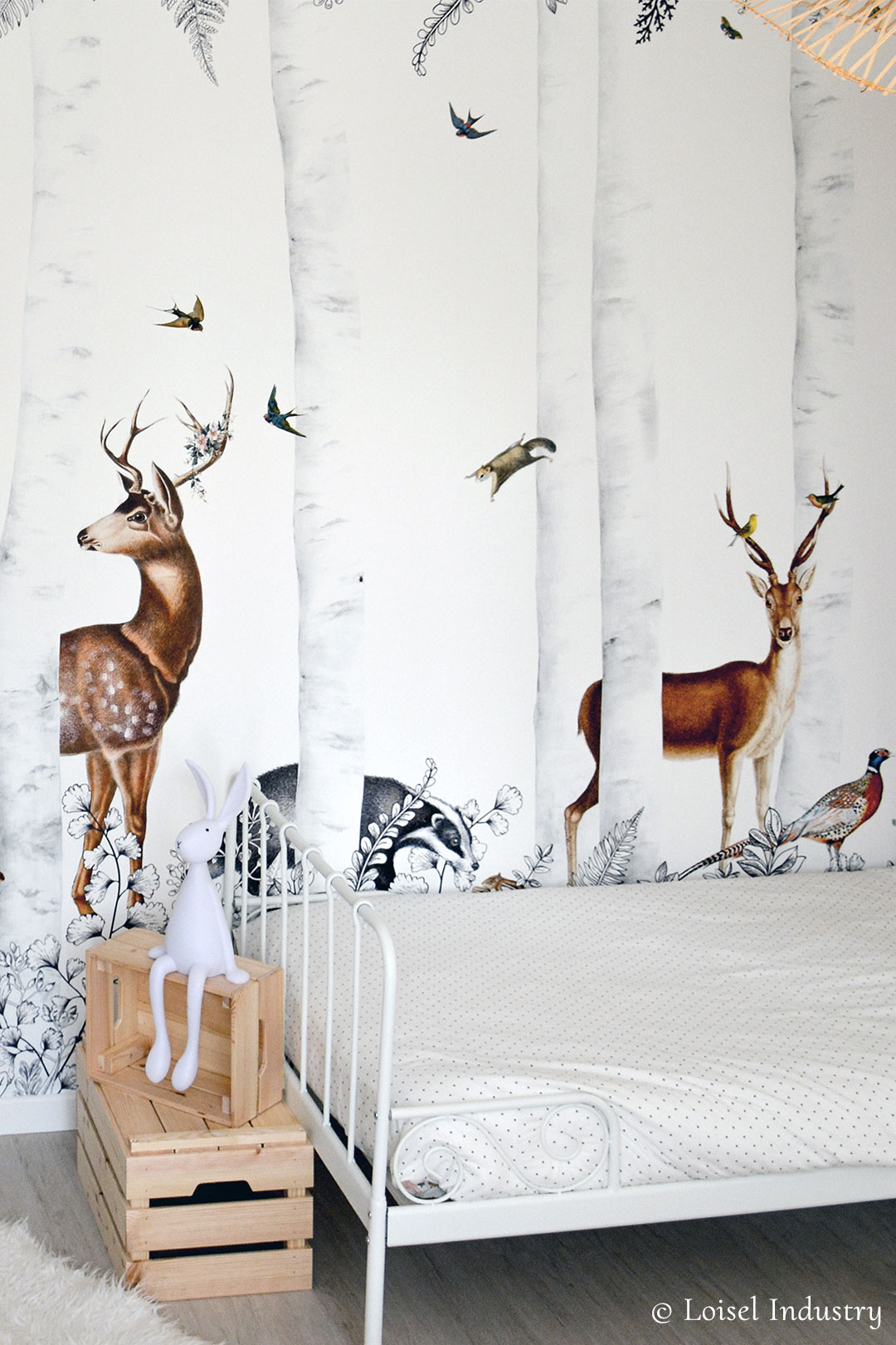 Wallpaper for kid's room - Forest animals - Woody Chesnut from Les Dominotiers - © Loisel Industry