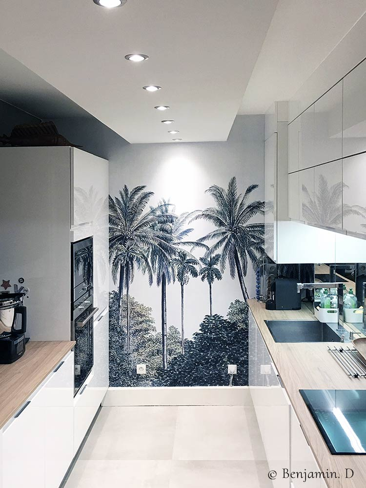 Tropical panoramic wallpaper Palm Grove in a kitchen © Benjamin D